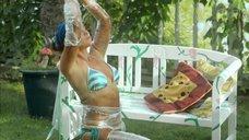 8. Дарья Екамасова в купальнике – Влюбленные женщины