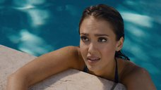 6. Джессика Альба плавает в бассейне – Как заниматься любовью по-английски