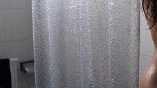 1. Ханна Уэр принимает душ – Хитмэн: Агент 47