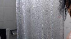 2. Ханна Уэр принимает душ – Хитмэн: Агент 47