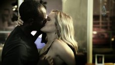 5. Пьяная Кристен Белл хочет секса – Дом лжи
