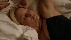 1. Кристен Белл в ночнушке – Дом лжи
