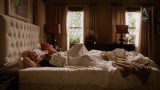 5. Кристен Белл в ночнушке – Дом лжи