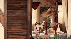 3. Сексуальная Катарина Пудар в ночнушке – Укрощение строптивых
