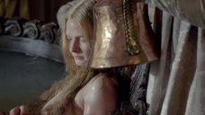 2. Большая грудь Ребекки Фергюсон – Белая королева