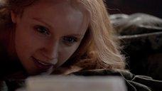 1. Постельная сцена с Эмили Беррингтон – Белая королева
