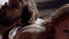 2. Постельная сцена с Эмили Беррингтон – Белая королева