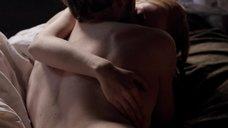 3. Постельная сцена с Эмили Беррингтон – Белая королева