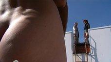 Юлия Галкина без одежды на крыше