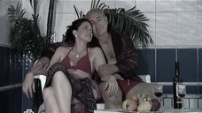 8. Анастасия Немец в купальнике – Проснемся вместе?