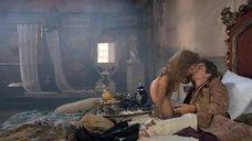 3. Мокрая и обнаженная Эмма Амос – Грести по ветру