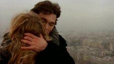 1. Оргазм Леа Сейду на Эйфелевой башне – Девочки сверху: Французский поцелуй