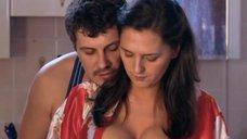 3. Сочная грудь Марии Шумаковой – Счастливый конец