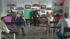 3. Ирина Темичева засветила трусики перед преподавателем – Счастливый конец