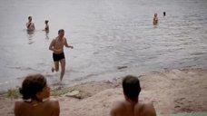 1. Рут Уилсон в купальнике – Сериал Любовники