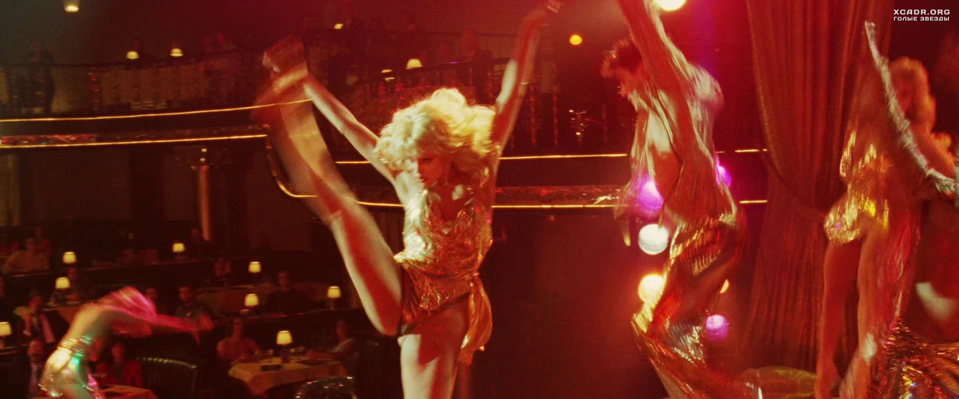 Showgirls sex scenes her ass locker