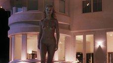 4. Страстный секс с Элизабет Беркли в бассейне – Шоугелз