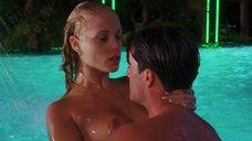 9. Страстный секс с Элизабет Беркли в бассейне – Шоугелз