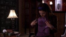 2. Мэгги Джилленхол в мокрой блузке – Секретарша