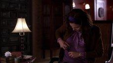 3. Мэгги Джилленхол в мокрой блузке – Секретарша