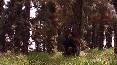 Секс со связанной Мэгги Джилленхол в лесу