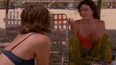 3. Мэгги Джилленхол в купальнике – Приемные матери