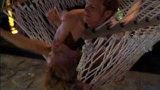 11. Секс с Миа Коттет на гамаке – Плохой парень