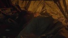 Секс с Линдси Морган в палатке