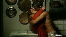 Страстный поцелуй с Зентой Бергер