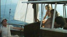 1. Полностью голые Катя Ченко и Карина Верлье – Спальня епископа