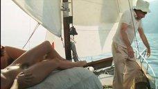 6. Полностью голые Катя Ченко и Карина Верлье – Спальня епископа
