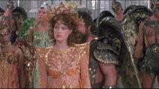 Мелоди Андерсон в откровенном платье
