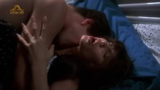 Интимная сцена с Анджелиной Джоли