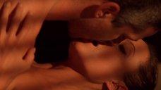 6. Сексуальная сцена с Анджелиной Джоли – Лара Крофт: Расхитительница гробниц 2 – Колыбель жизни