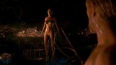11. Изящное тело Анджелины Джоли – Беовульф (2007)