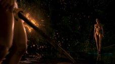 7. Изящное тело Анджелины Джоли – Беовульф (2007)