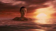 8. Красотка Анджелина Джоли – Беовульф (2007)