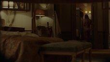 6. Анджелина Джоли подглядывает за обнаженной Мелани Лоран – Лазурный берег