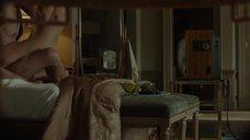 8. Анджелина Джоли подглядывает как Мелани Лоран занимается сексом – Лазурный берег