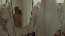 2. Обнаженная Анджелина Джоли обнимает Бреда Питта – Лазурный берег