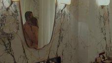 3. Обнаженная Анджелина Джоли обнимает Бреда Питта – Лазурный берег