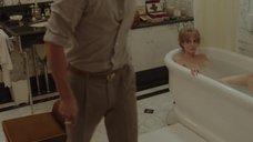 9. Анджелина Джоли принимает ванну – Лазурный берег