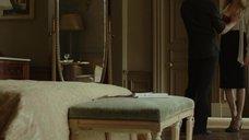3. Анджелина Джоли в красном лифчике – Лазурный берег