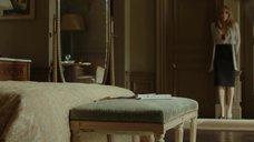 7. Анджелина Джоли в красном лифчике – Лазурный берег