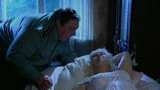 Любовь Руденко в ночнушке