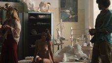 9. Абсолютно голая Оливия Уайлд – Винил