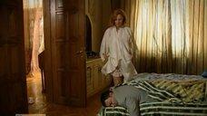 1. Постельная сцена с Аленой Ивченко – Не пытайтесь понять женщину