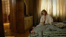 4. Постельная сцена с Аленой Ивченко – Не пытайтесь понять женщину