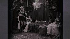 1. Лесбийская сцена с Джемаймой Рупер и Миа Киршнер – Черная орхидея