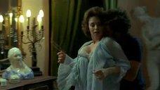 1. Большой бюст зрелой дамы – Роза Франции